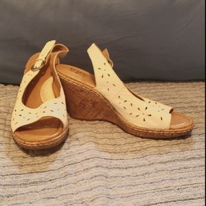 White cork wedges